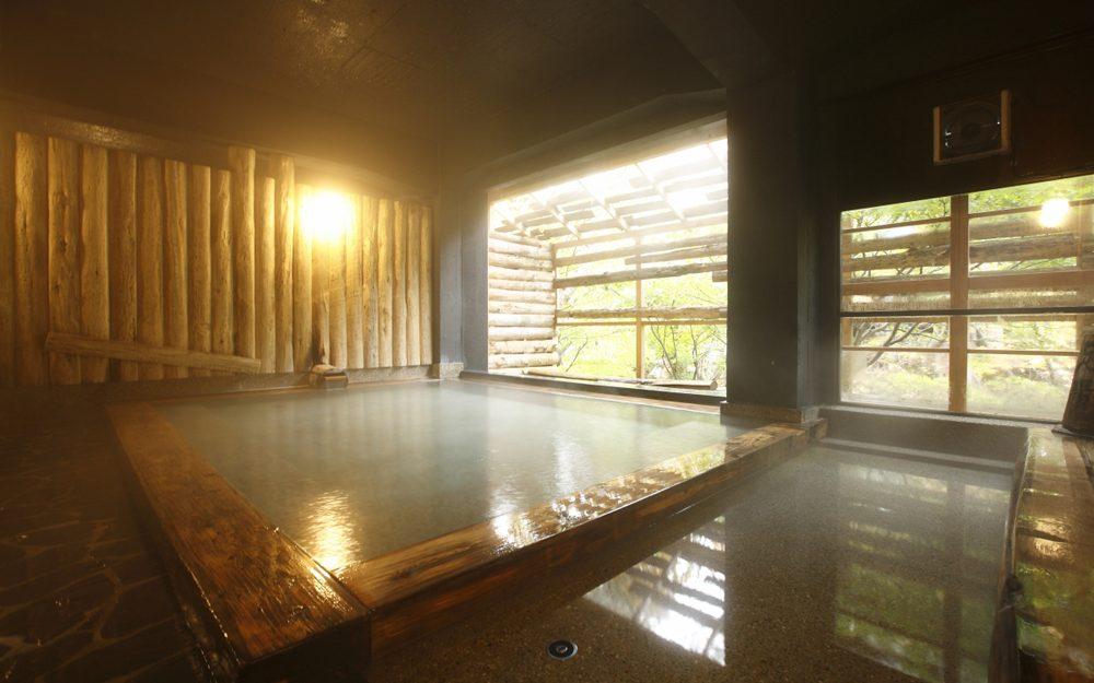 千年の湯露天風呂